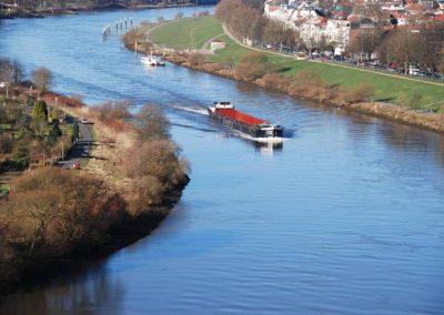Blick vom Stadion auf die Weser