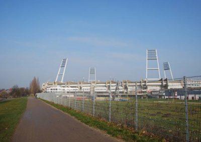 Blick von der Weser auf das wohninvest WESERSTADION