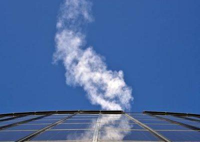 Weißer Rauch über dem wohninvest WESERSTADION